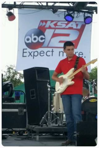 Guitar prodigy Evan Materne. (Courtesy of his official FB fan page.)
